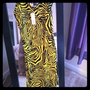 Forever 21 Black and yellow Zebra Strip Dress